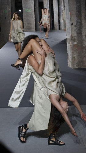 635793275606268619-AP-Paris-Fashion-Rick-Owens-001