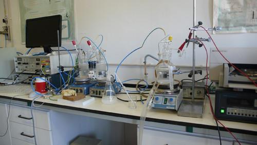 Os instrumentos laboratoriais utilizados na eletro