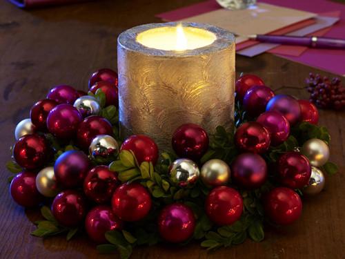 Christmas-Candle-Decoration-Ideas9.jpg