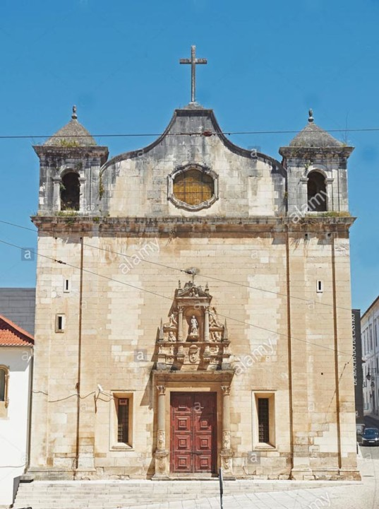 Portal da igreja do convento 02.jpg
