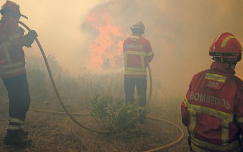 bombeiros_incendios_pedrogao_grande[1].jpg
