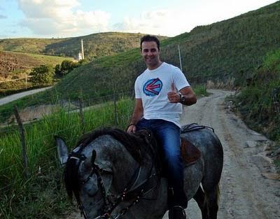 a cavalo no brasil.jpg