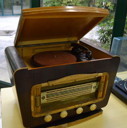 Rádio Antigo.jpg