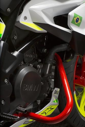 BMWG310_4.jpg