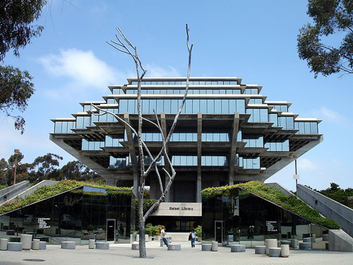 35-University-of-California-San-Diego-Geisel-Libra