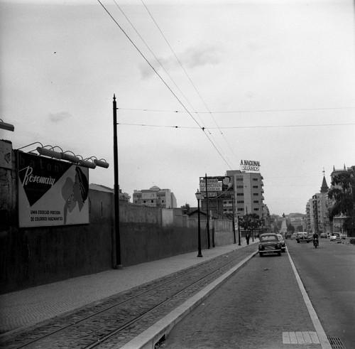 Junto ao mercado 31 de Janeiro, Lisboa (A.J.Fernandes, 1961)