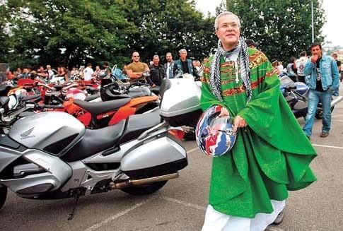 padre motard.jpg