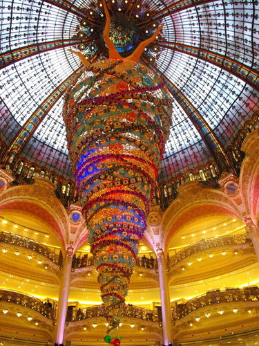 galeries-lafayette-christmas-2014-10-copyright-fre