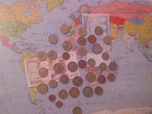 Moedas e notas de Euros . Foto de F.M.C.L. 2014