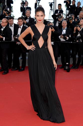 Sara-Sampaio-Cannes3.png