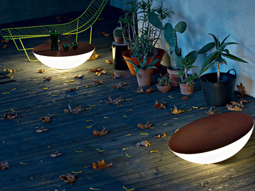 Outdoor-floor-lamps-to-use-in-a-deck-or-patio-Thes