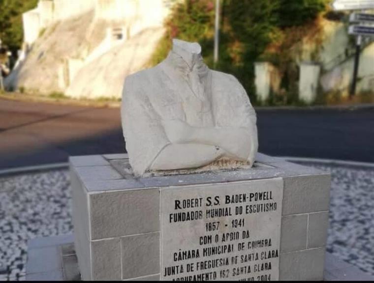 estátua.png