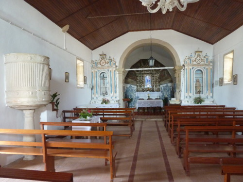 Capela da Senhora da Alegria interior.JPG