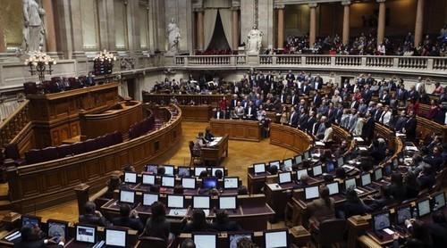 assembleia da republica - mario cruz-lusa.jpg