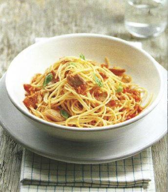 Esparguete com Atum e Molho Arrabiata.JPG