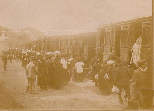 Chagada dos romeiros ao apeadeiro de Trémoa. 1901