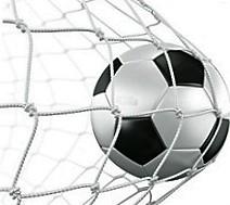 bola-de-futebol-entra-na-rede-gol.jpg