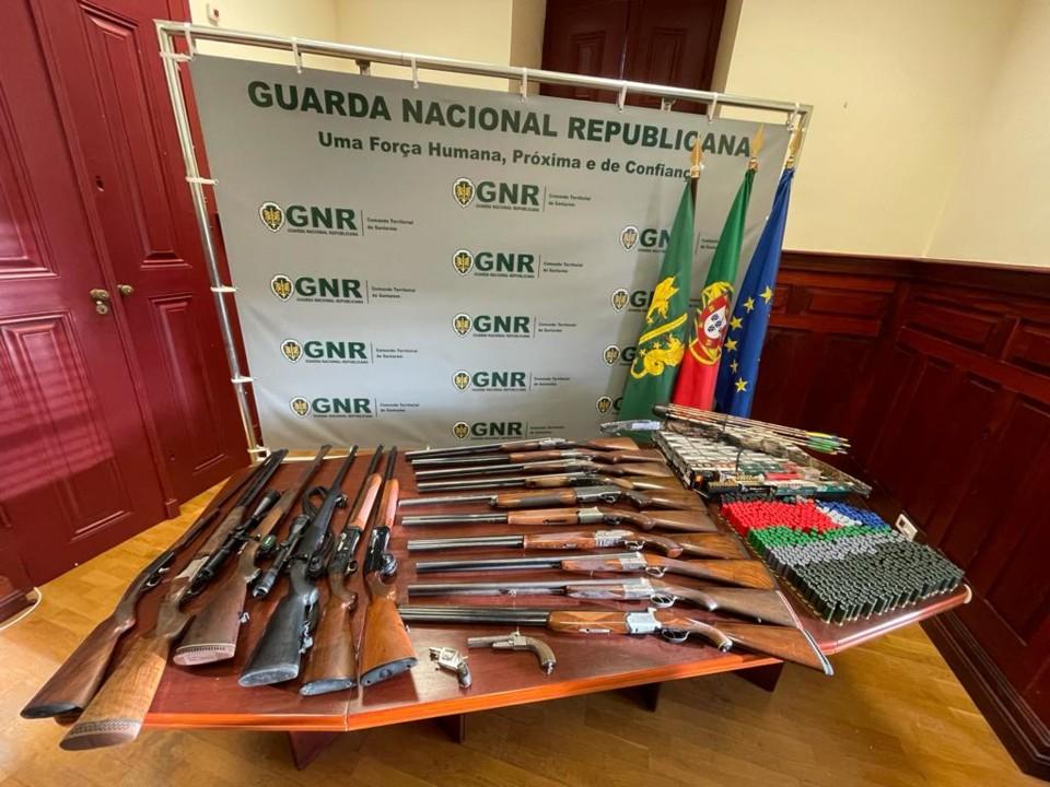 GNR Santarém - Apreensão de armas.jpg