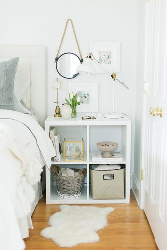 everygirl-ikea-expedit-shelf-nightstand-styling-64