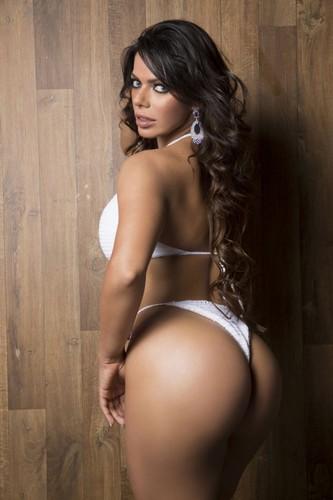 Suzy Cortez 32