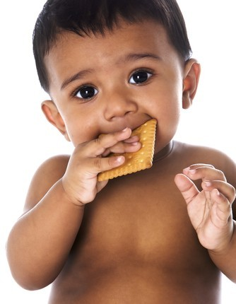 toddler-eating-334x430.jpg