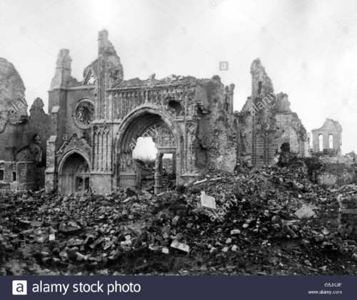ypres catedral ruinas.jpg
