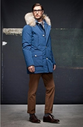 blue-parka-tobacco-chinos-dark-brown-oxford-shoes-