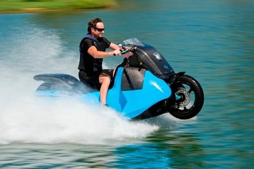 276bee1e726 Scooter que anda na água - GADGET MAN