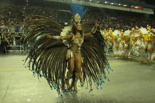 Aline Riscado (Carnaval S.Paulo 2016)