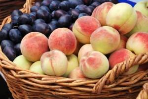 Pêssegos e ameixas (24-09-15)