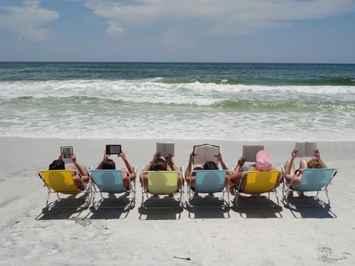 book-club-beach-2-1024x768(1).jpg