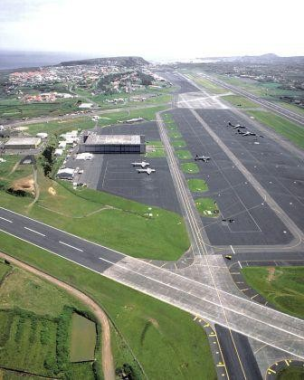 640px-Lajes_Air_Base_1989_DF-ST-89-07752.jpg