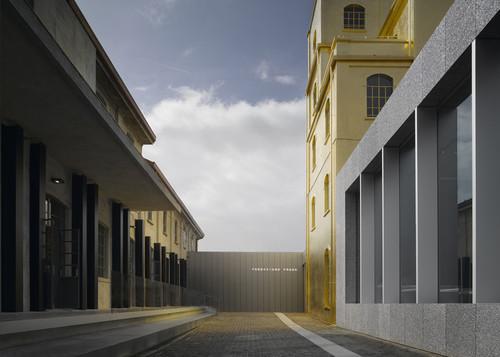 Fondazione-Prada-01.jpg
