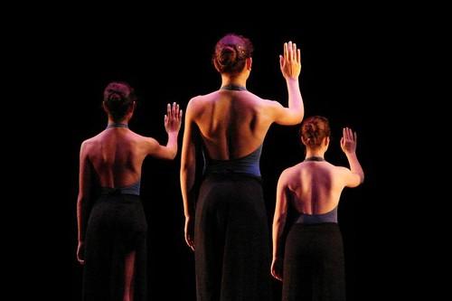 Modern_Dancers_3.jpg