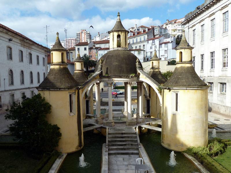 Jardim de Mangua, obra de João de Ruão.jpg