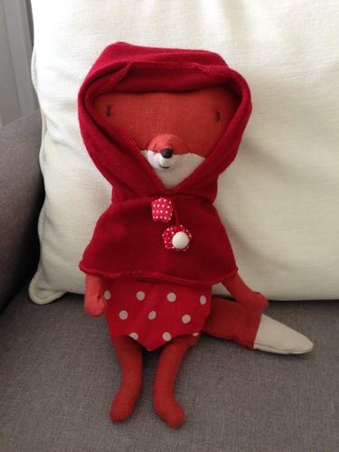 O Lobo Mau disfarçado de Capuchinho Vermelho :)
