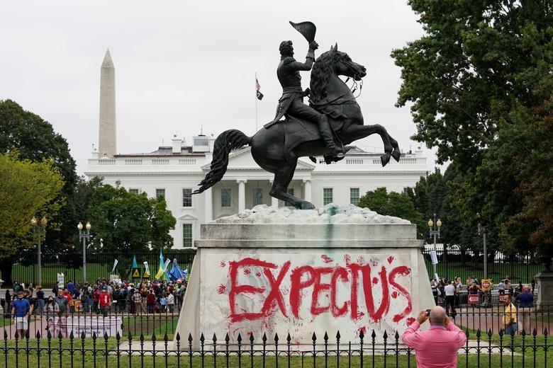 Kevin Lamarque-Reuters.jpg