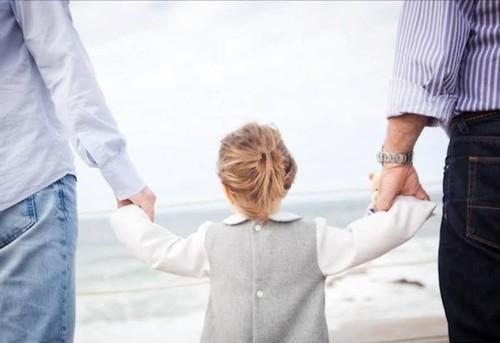 adopção gay parentalidade Portugal - Cópia.jpg