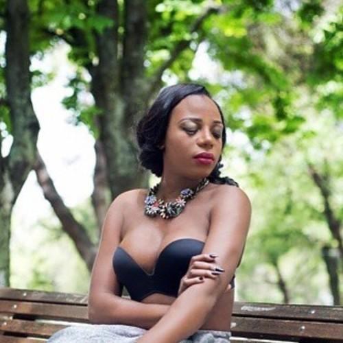 Titica Kuduro Transexual Angola.JPG