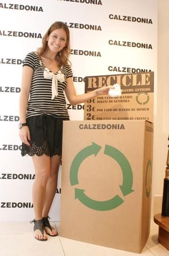 Vanessa Oliveira (apresentadora)