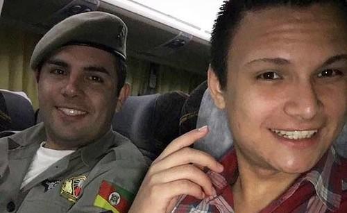 soldado gay brasil casamento.jpeg