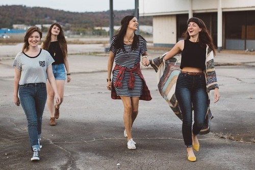 Girls-Unsplash.jpg