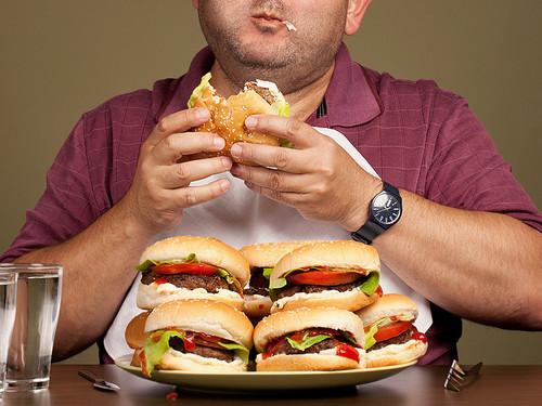 is_150429_binge_overeating_800x600.jpg