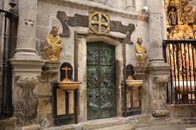 porta santa.png