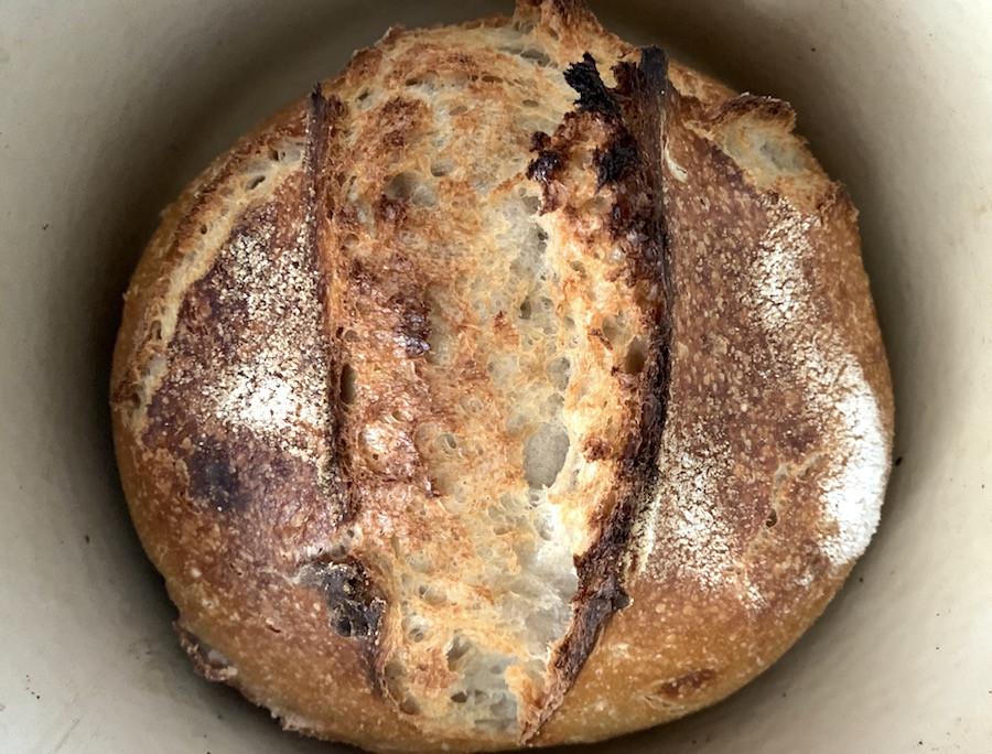 pão com massa mãe.jpg