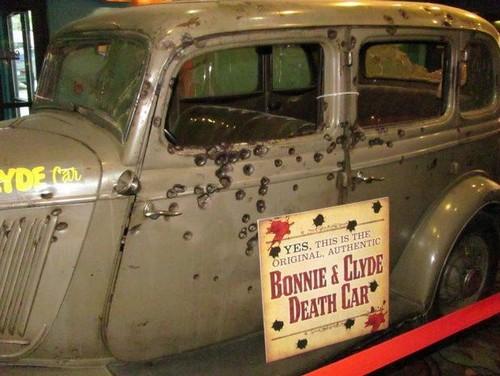 bonnie & clyde death car.jpg