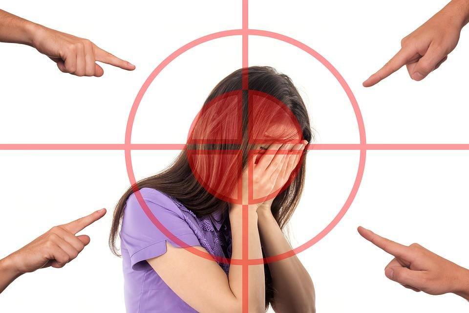 bullying-3096216_960_720.jpg