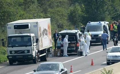 refugiados em camião.jpg