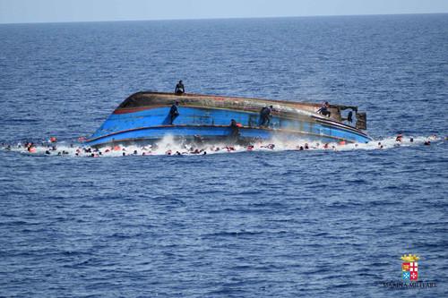 migrant-boat-4.jpg