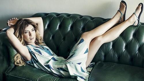 Raquel Strada (atriz & apresentadora)
